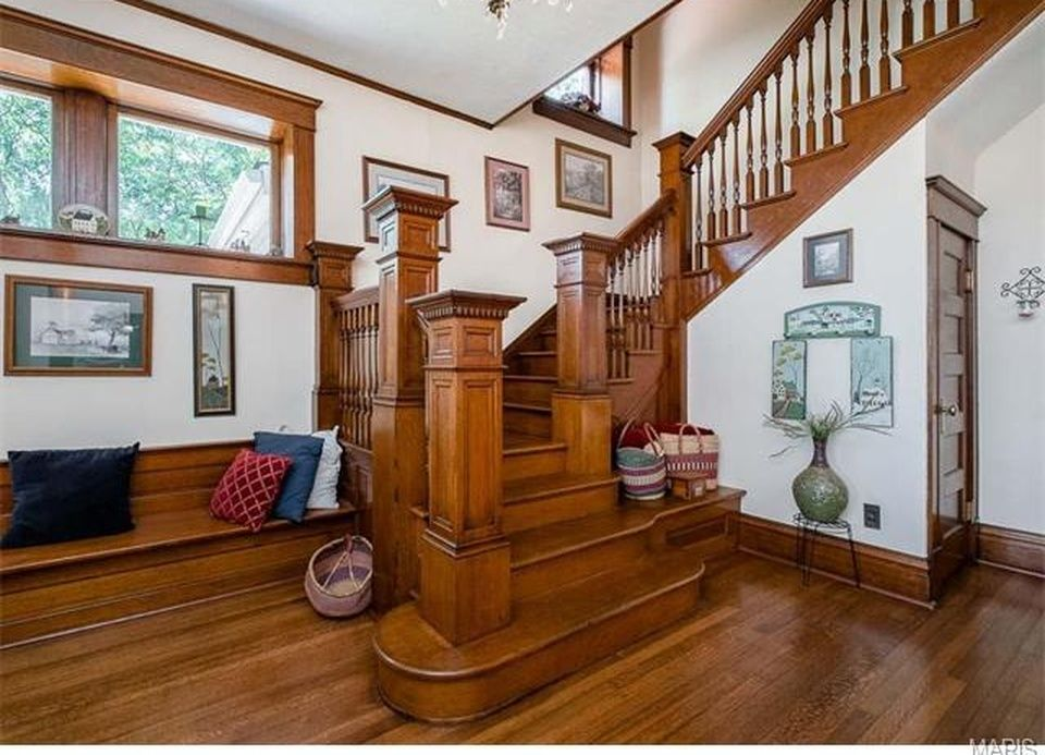 1904 Duncan Mansion, Silex, MO WOODWORK & STAIRCASES