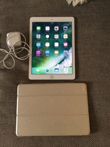 Apple iPad Air 2 64GB Wi-Fi 9.7in - Gold (Latest Model) https://t.co/R7716mJI6O https://t.co/LeGcbUyk5L