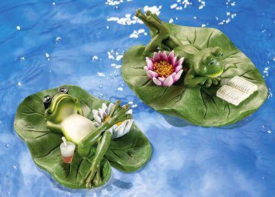 a Useful Present or Gift Floating Frog in Shower on Lily Pad for Garden Ponds