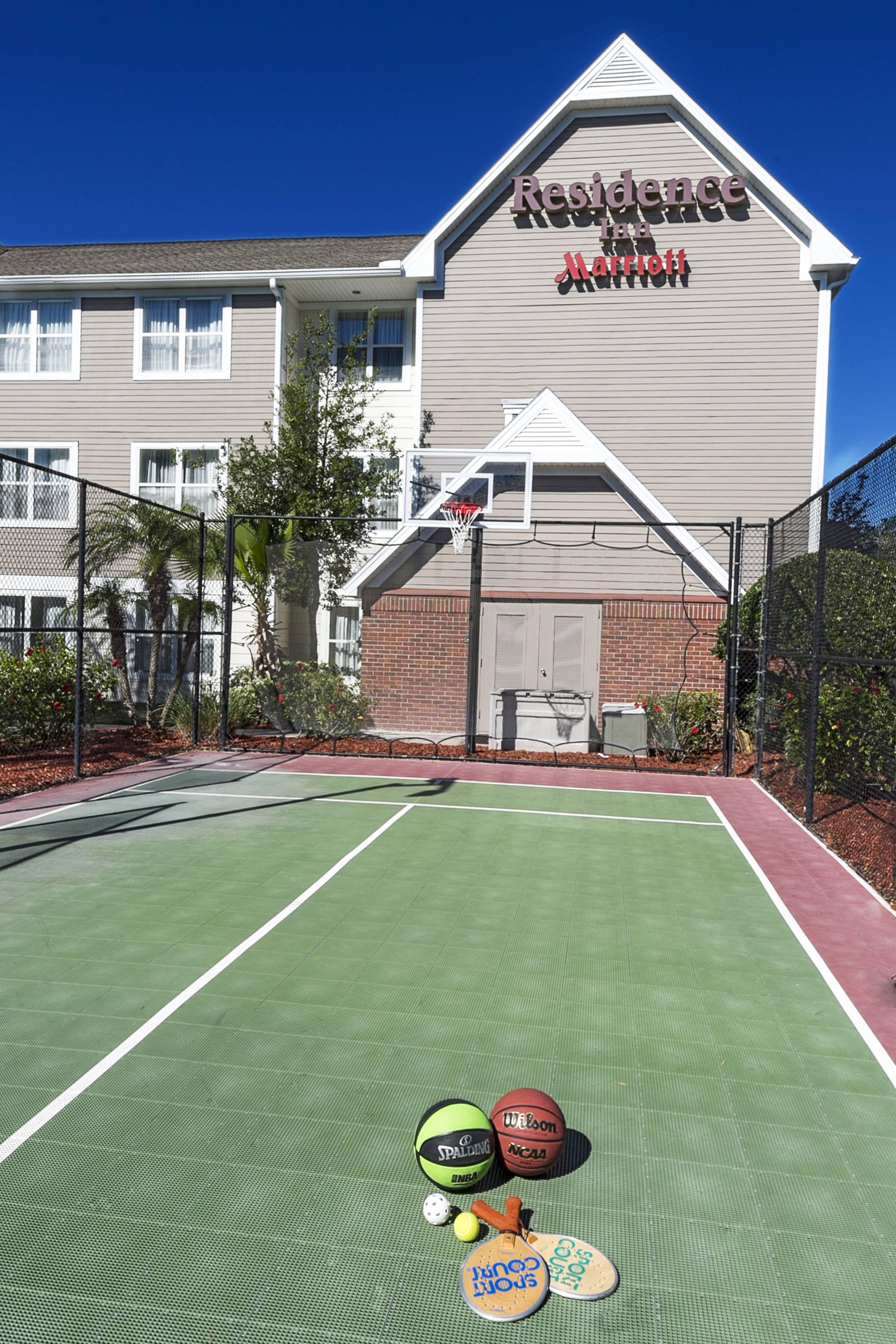 Residence inn lakeland sport court guestbathroom