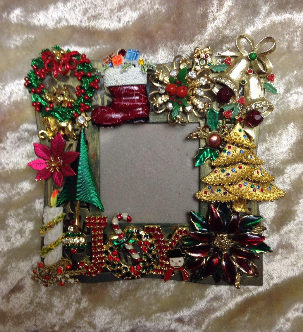 I made this vintage christmas themed jeweled frame for a for Poinsettia christmas tree frame