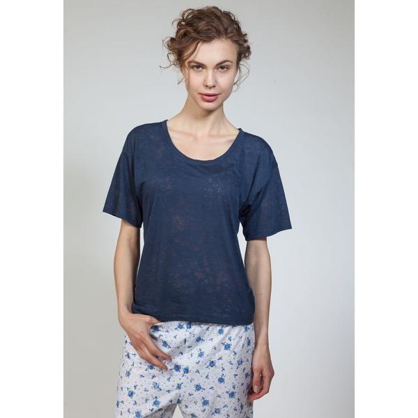 Boxy fit, scoop neck t-shirt. Machine wash gentle/ Tumble dry low heat/ Iron medium heat if necessary.