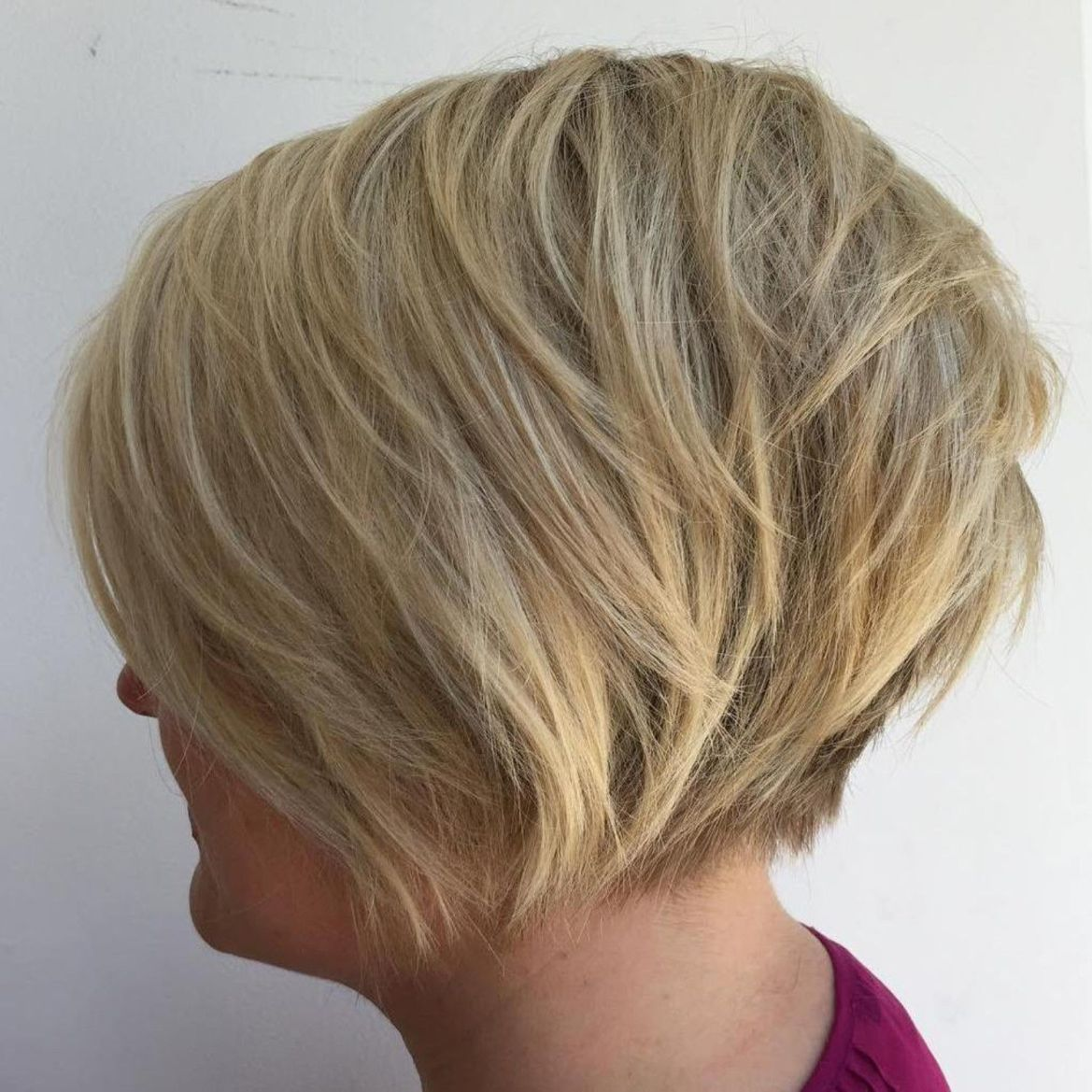 cute and easytostyle short layered hairstyles in short
