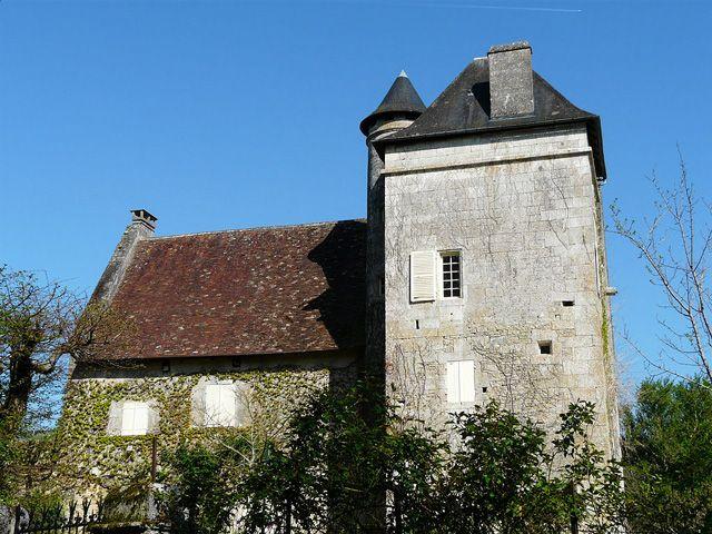 Château de Pommier ►► http://www.frenchchateau.net/chateaux-of-aquitaine/chateau-de-pommier.html?i=p