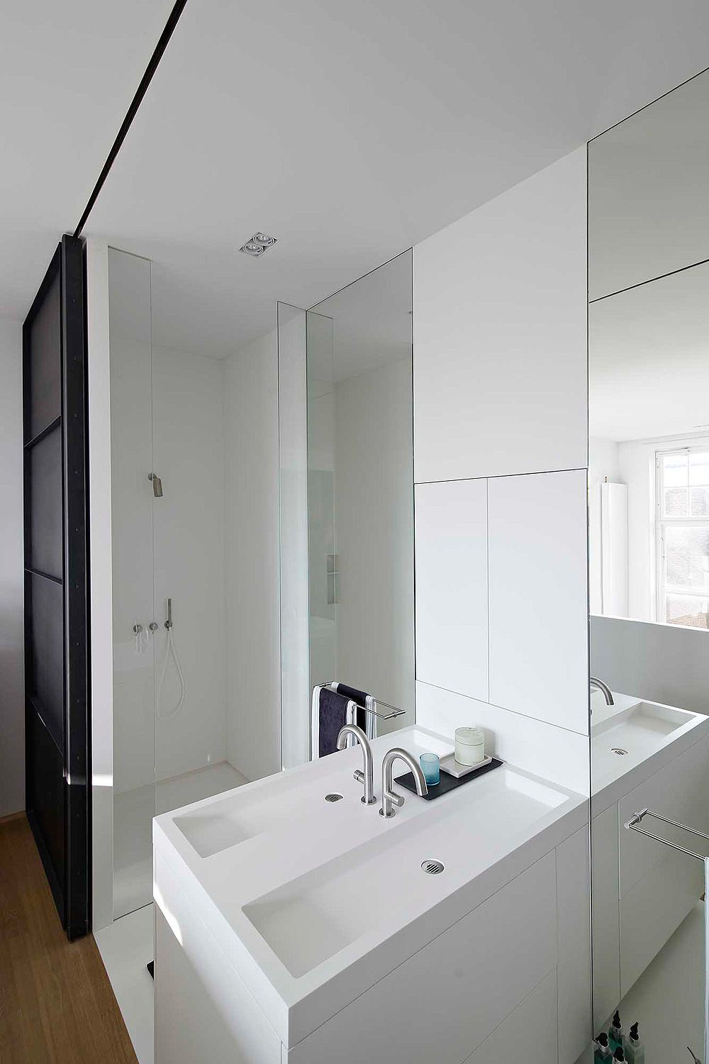 canal-house-hi-macs-witteveen-architects (5) | Bathrooms | Pinterest