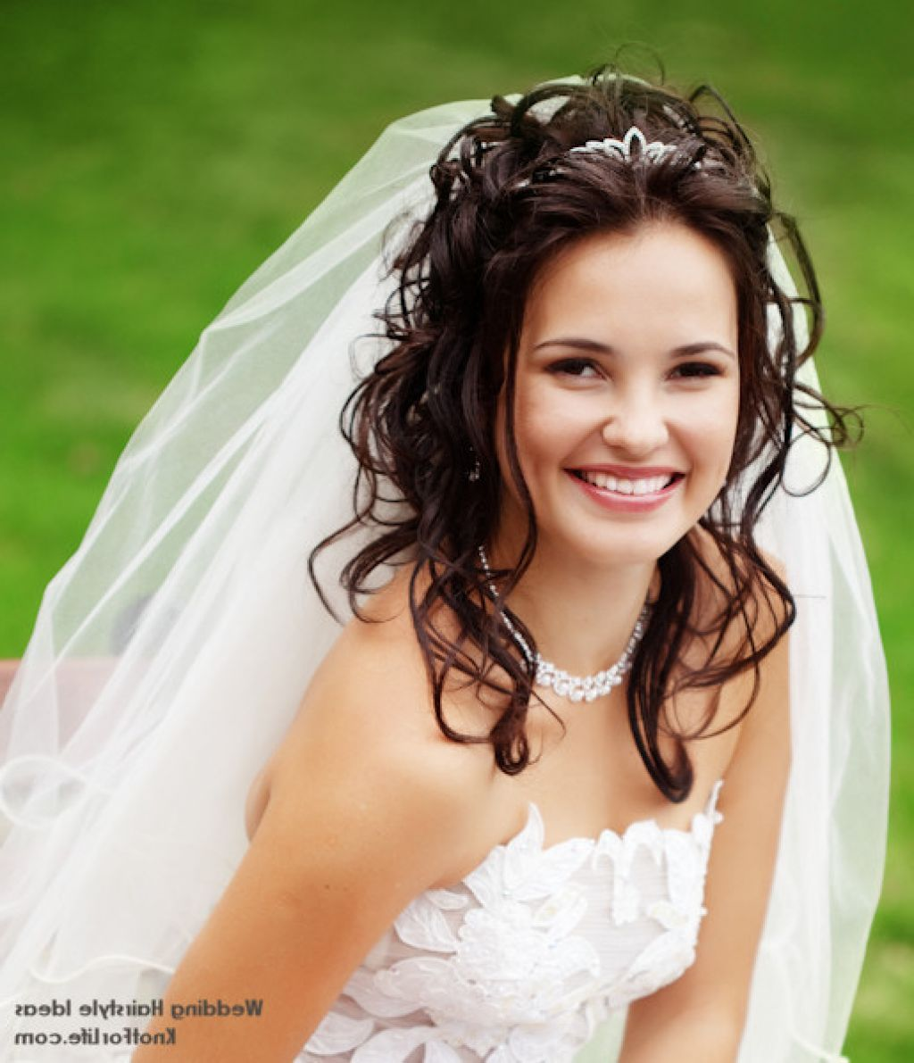 Bridal tiaras and veils - Beautiful Styles Of Wedding Hairstyles With Veils And Tiaras