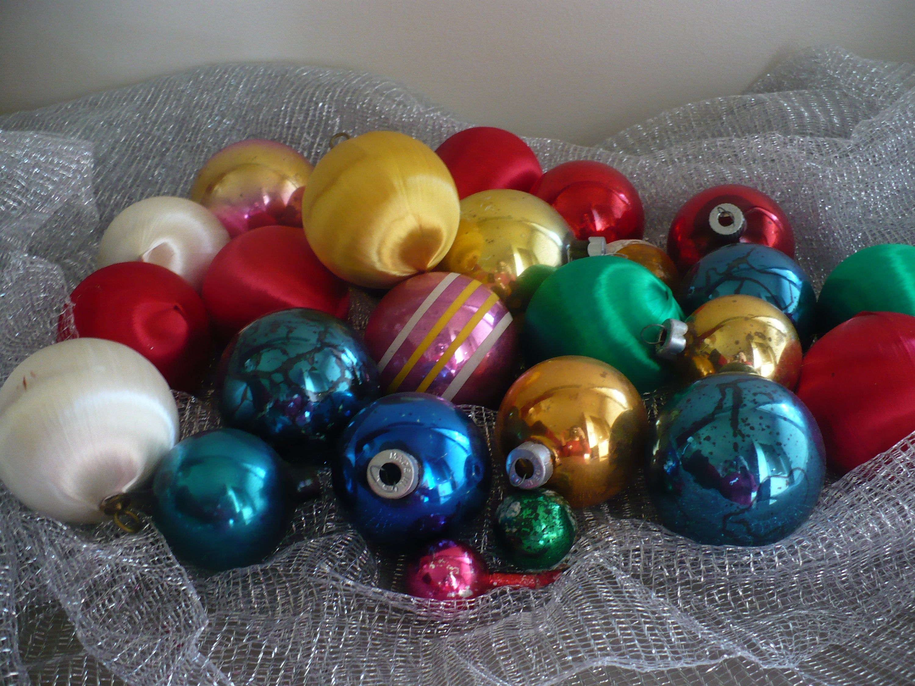 Satin And Glass Ornament Lot Vintage Round Ornaments Vintage Christmas Theearlybirdfinds In 2020 Glass Ornaments Round Ornaments Vintage Ornaments
