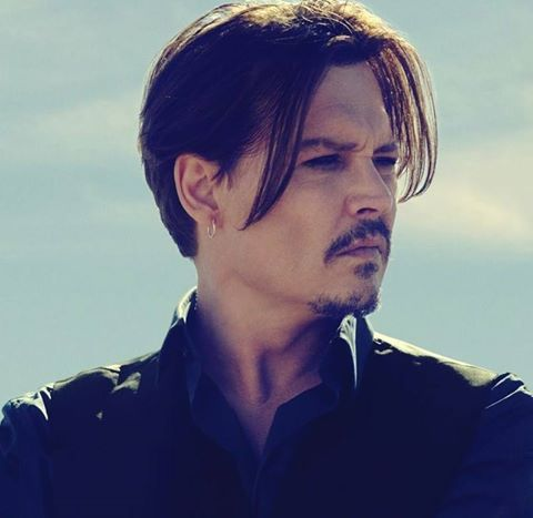 By Now Every Depp Fan Knows That Johnny Depp Will Be The Face Of Dior S New Men S Fragrance Dior Sauvage Johnny Depp Haircut Johnny Depp Hairstyle Johnny Depp