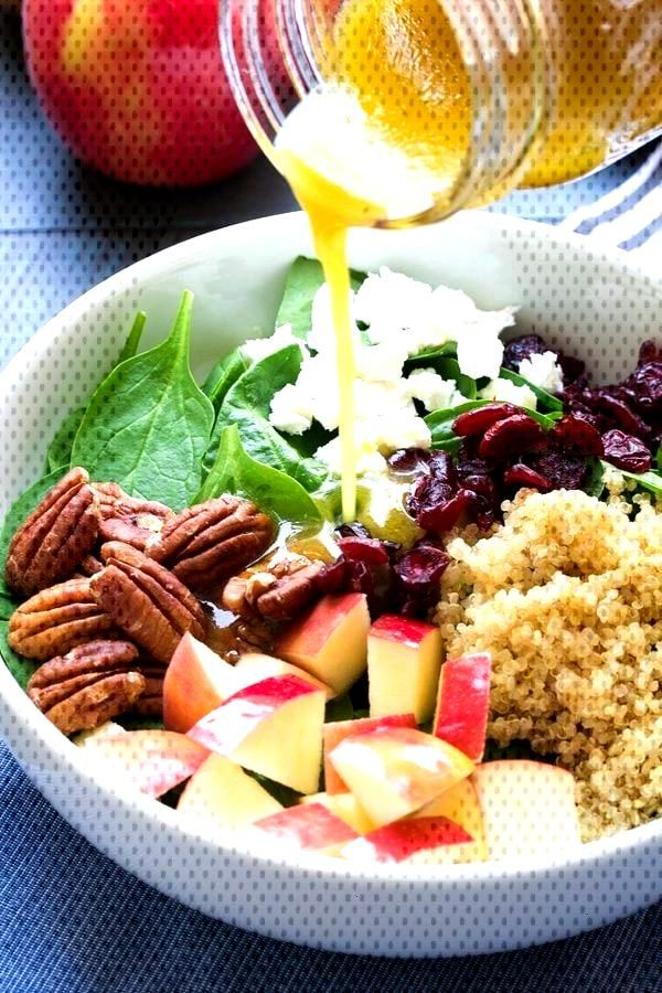 Spinach quinoa salad with apple - healthy living -  Spinach and quinoa salad with apple   -