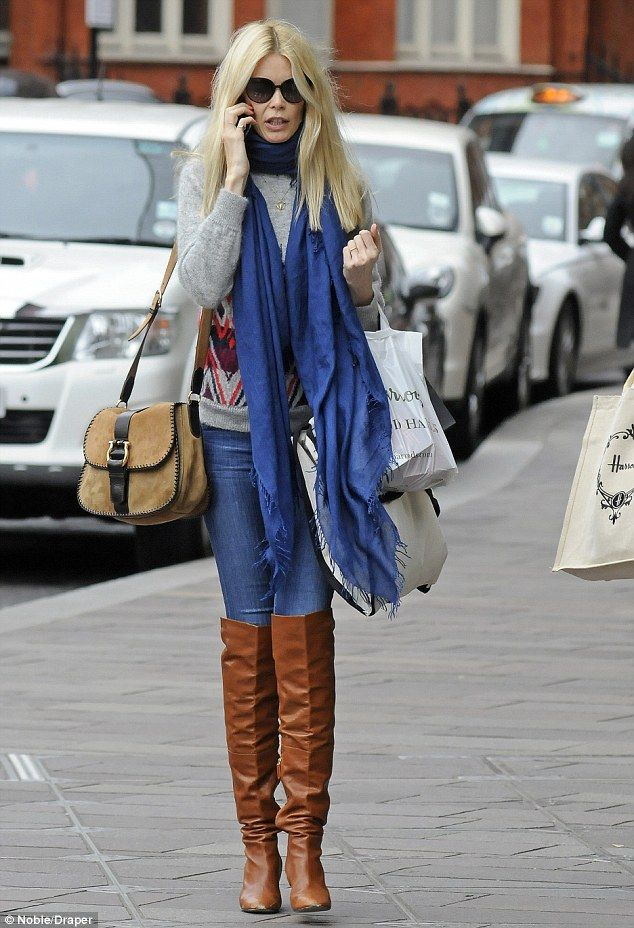 Claudia Schiffer Is A Stylish Shopper At Harrods Department Store Casual Winter Outfits Claudia Schiffer Celebrity Street Style