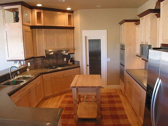 Modern Kitchen Paint Color With Oak Cabinet Design Inspiring Custom Kitchen Cabinet Designs And Colors Review