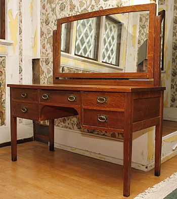 Stickley 632 Dressing Table Circa 1902 1903 Museum At Craftsman Farms Master Bedroom
