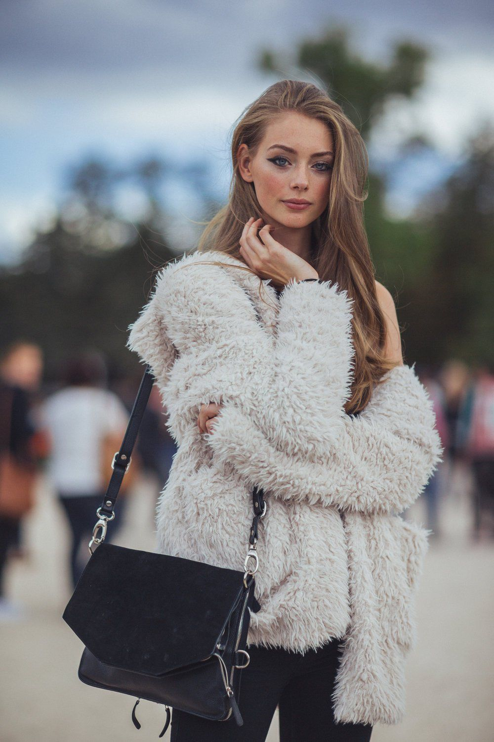Sparkling Winter Fashion Outfits Casual Style Inspiration All Black