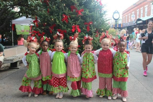 The Grinch Christmas Float Ideas.Dancing Grinch Just One Part Of Savannah S Christmas On The