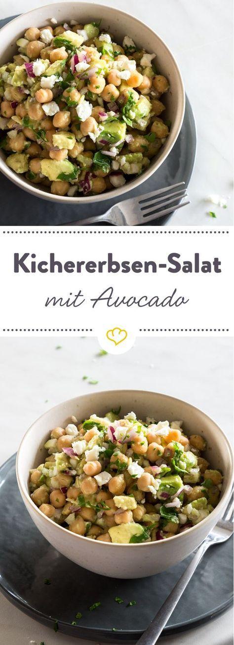 Schneller Avocado-Kirchererbsen-Salat mit Feta