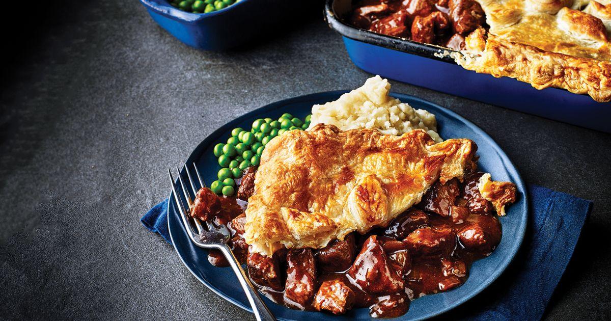 Traditional steak pie | Recipe (With images) | Steak pie ...