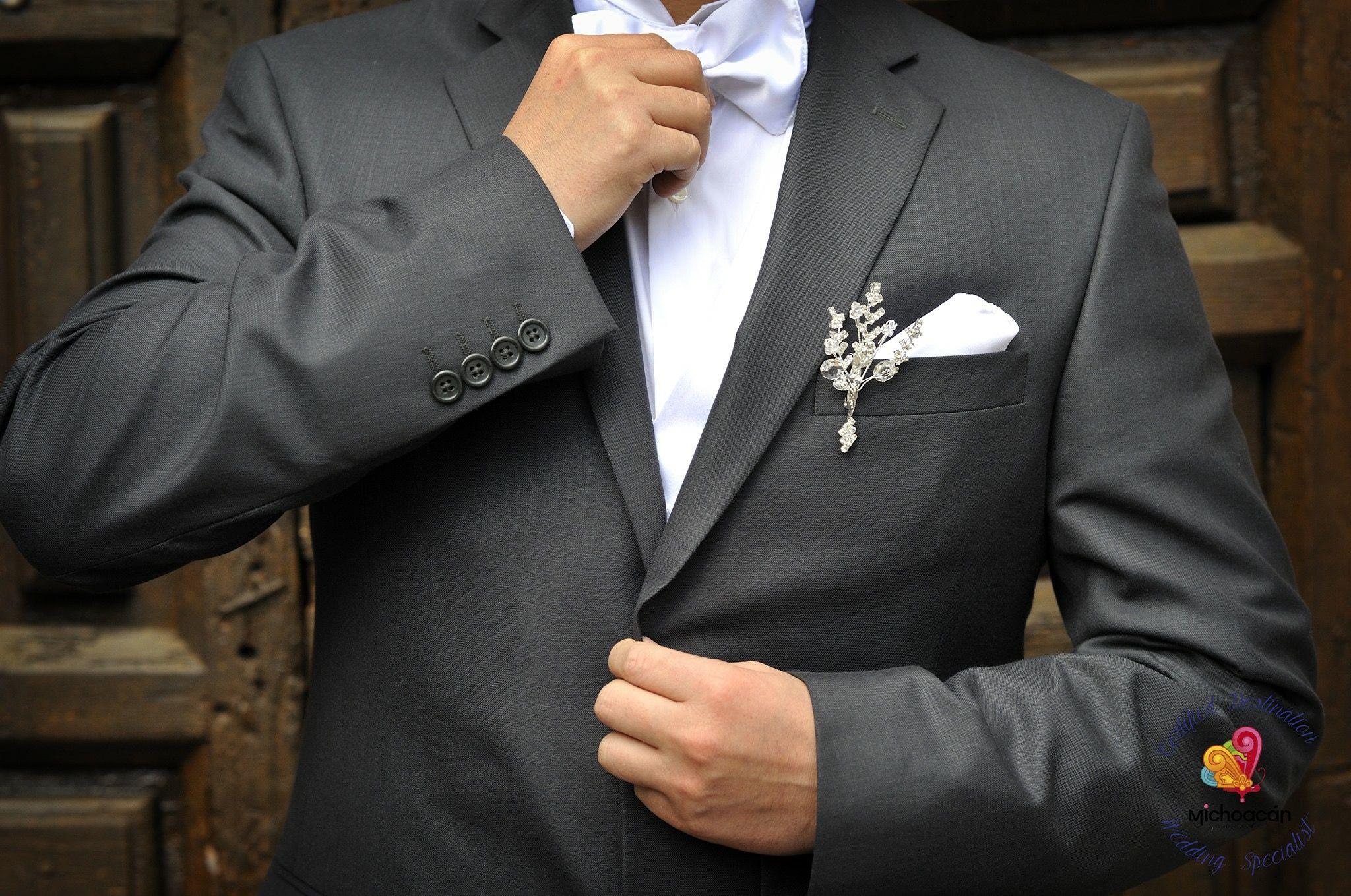 Michoacán puede ser el destino de tu boda, Villa Montaña será el lugar ideal para hacer que la noche de tu vida sea perfecta. Certified Destination Wedding Specialist, déjalo en nuestras manos profesionales.  📷 Davaloss Video & Fotografia  #HotelVillaMontaña #WeddingPlanner