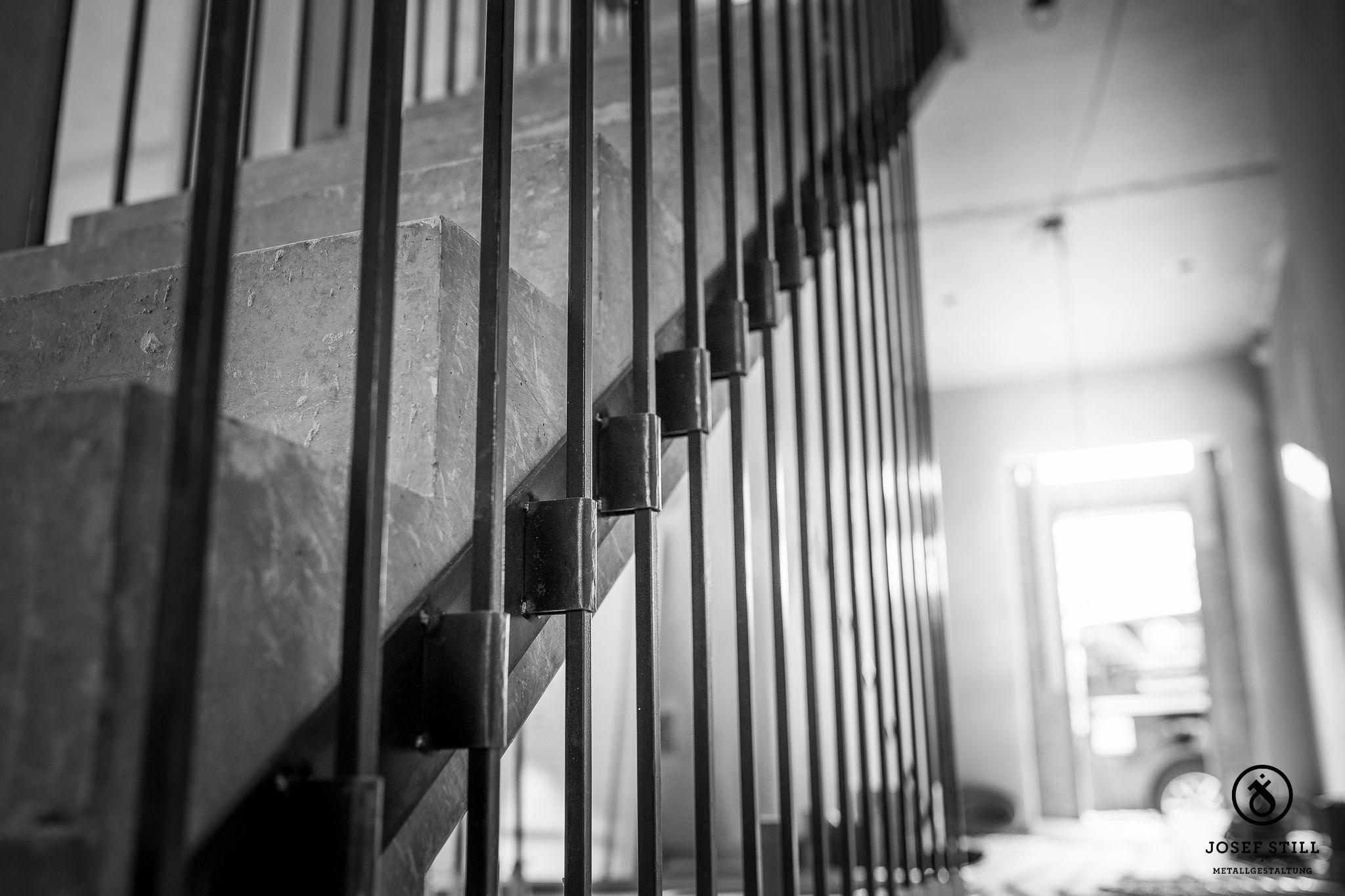 Www Metall Schmiede De Kunstschmiede Gelander Treppe Handlauf Schmiede Munchen Rosenheim Individuell Eisen Treppe Metall Design Handlauf