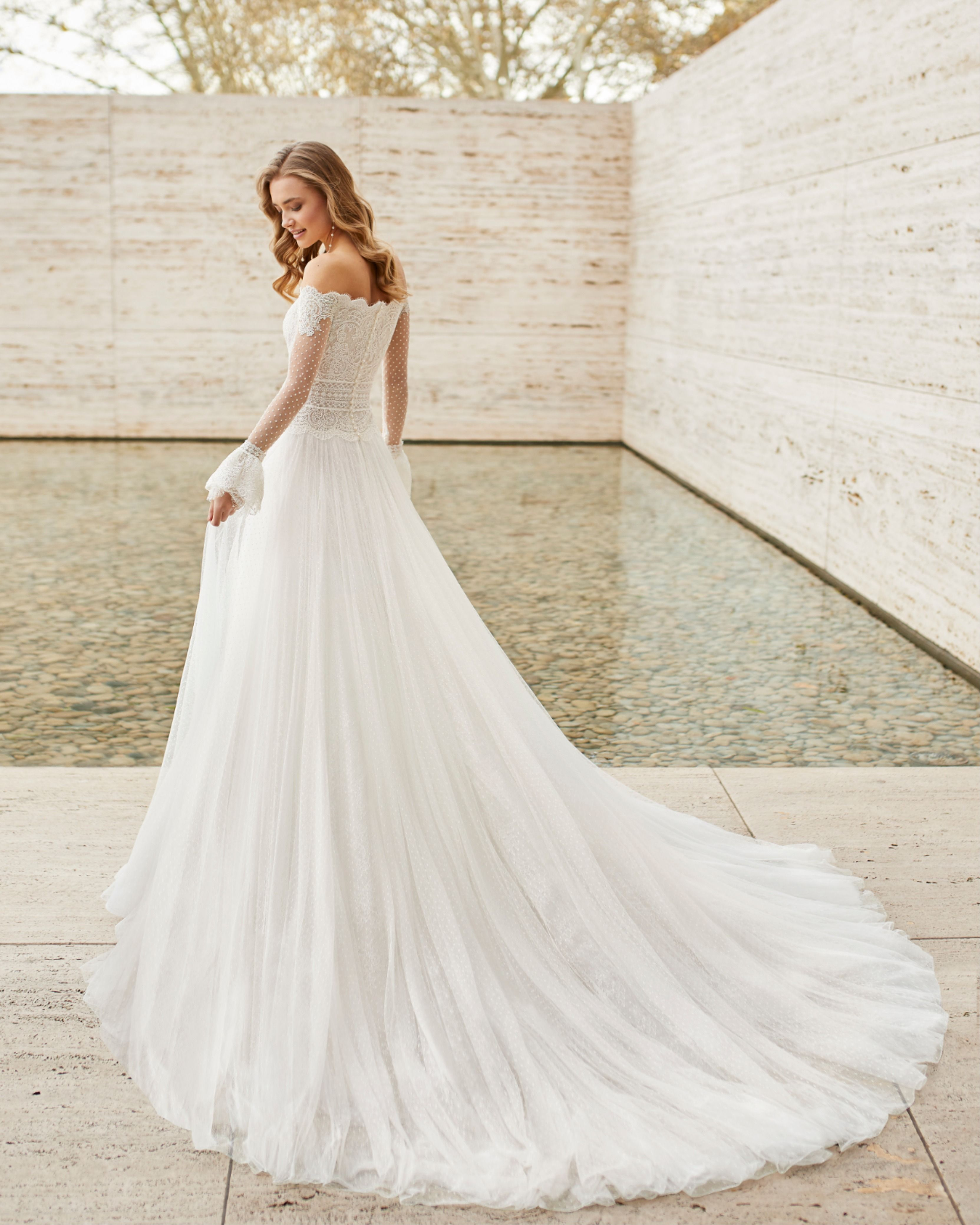 Eilen By Rosa Clara Princess Style Wedding Dresses Wedding Dress Long Sleeve Long Wedding Dresses [ jpg ]