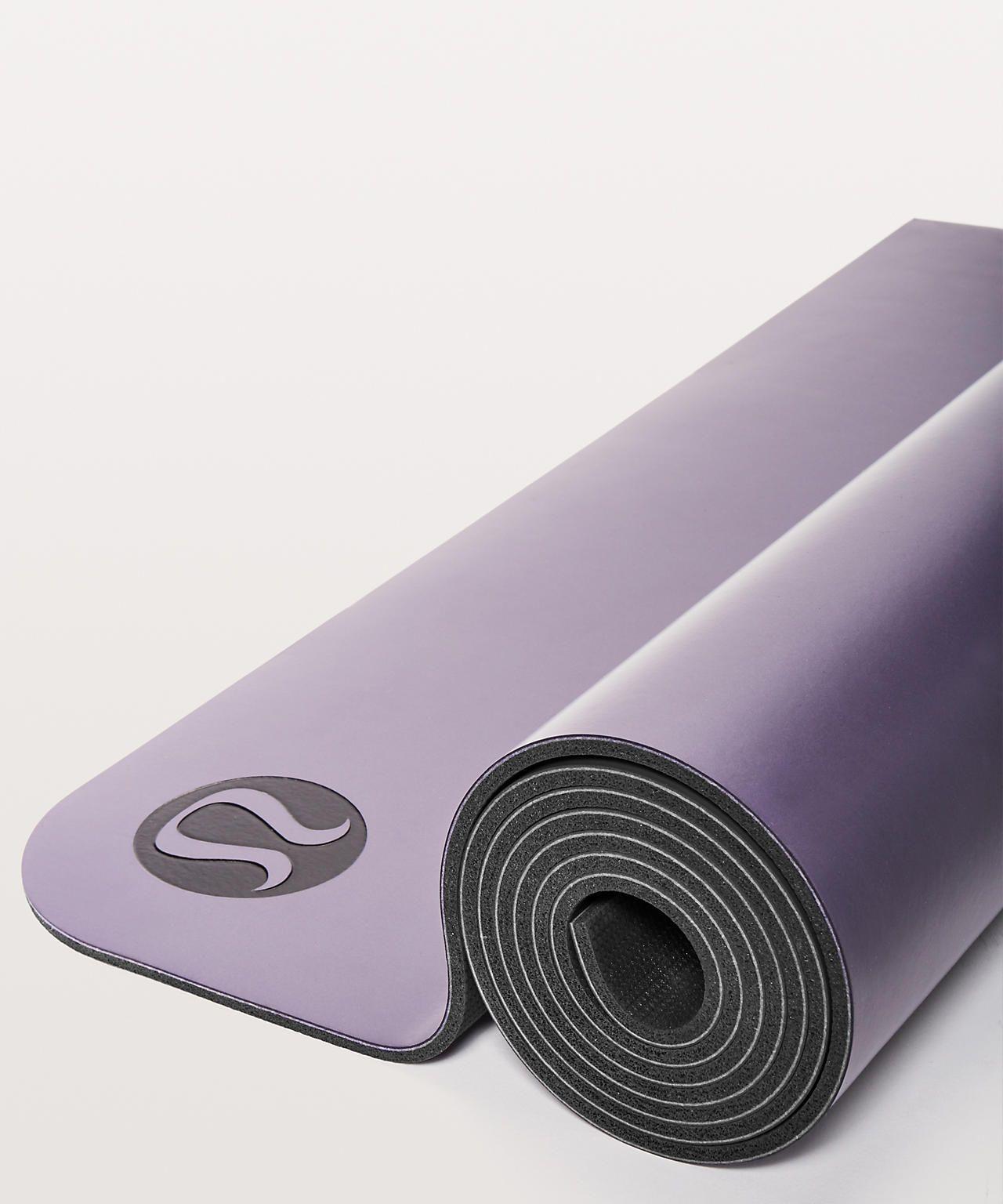 The Reversible Mat 5mm Women S Yoga Mats Lululemon Yoga Mats Best Yoga Women Yoga Mat