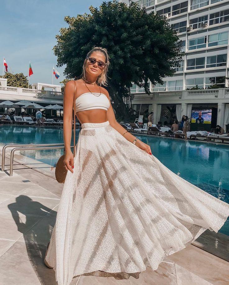 LOOKS PARA O ANO NOVO Procurando por inspirações para o réveillon, aqui está algumas para você.#anonovo#looks #looksparavirada #looksparaoréveillon #looksparaoanonovo#2019 #roupas #moda #réveillon2019