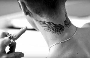 Justin Bieber Tatuagem No Pescoco Tatuagem Asas Tatuagem De Asas