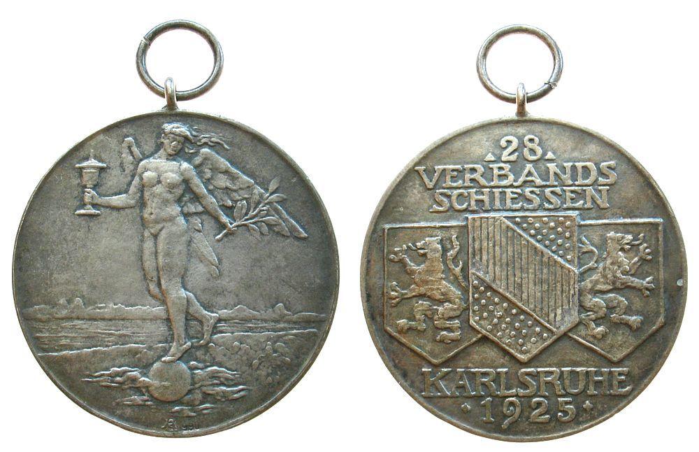 Schützen Silber Karlsruhe, Baden, auf das 28. Verbandsschiessen, v. Ehehalt, ca. 40,3 MM, ca. 25.12 Gramm tragbare Medaille 1925 vz