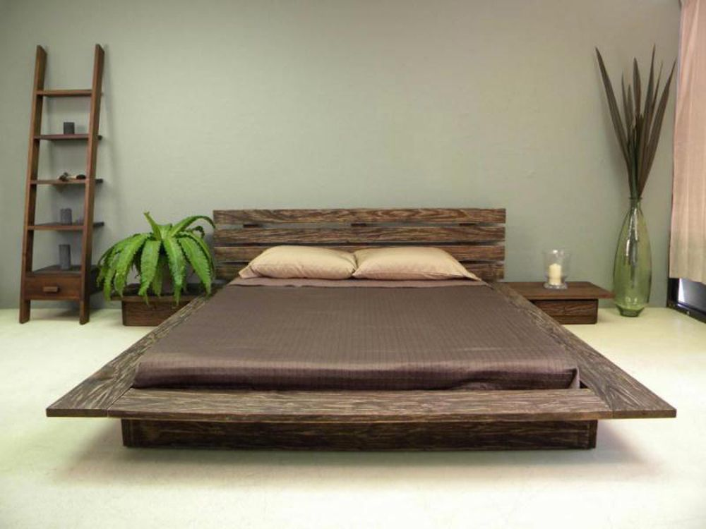 The Delta Platform Bed Blends Modern And Rustic Sensibilities This Low Profile Design Follows Japanese
