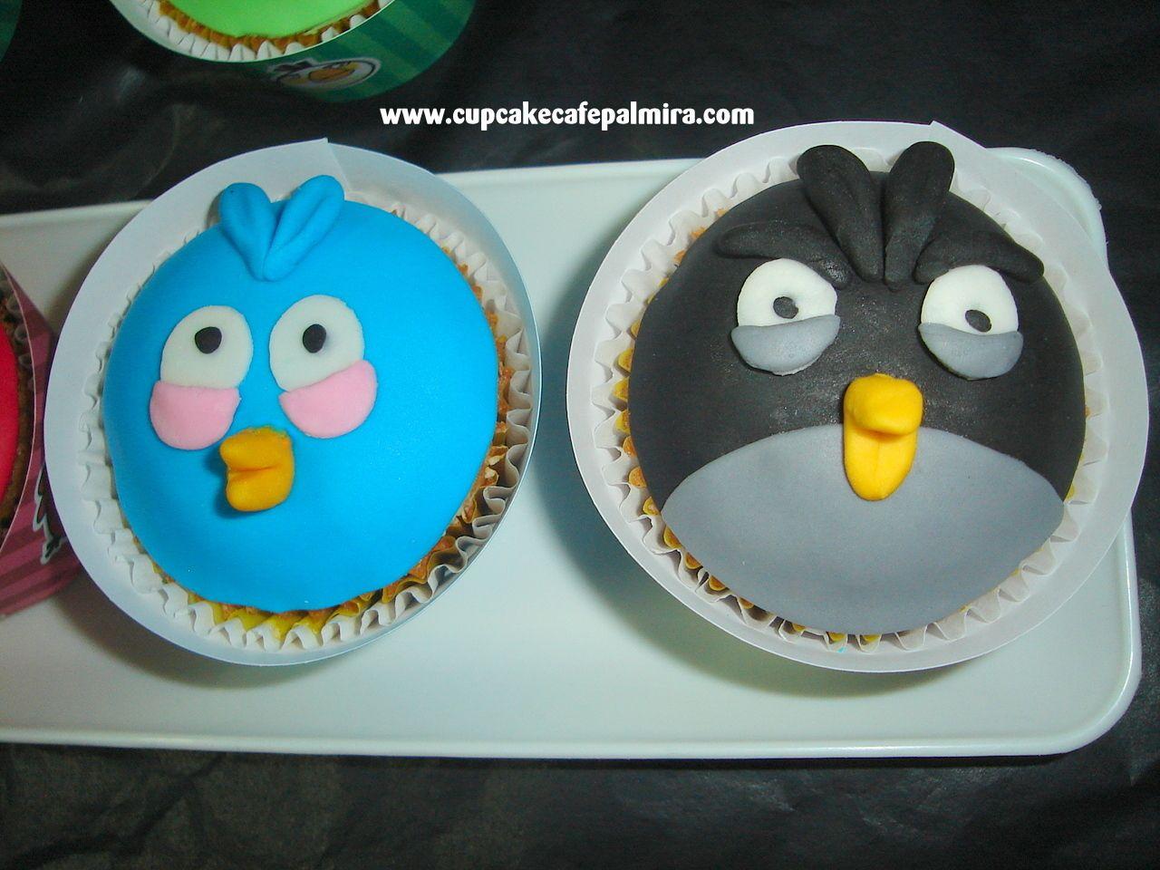 Angry azul y negro