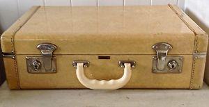 antiquit collection magnifique valise ancienne majestic valises antiques pinterest. Black Bedroom Furniture Sets. Home Design Ideas