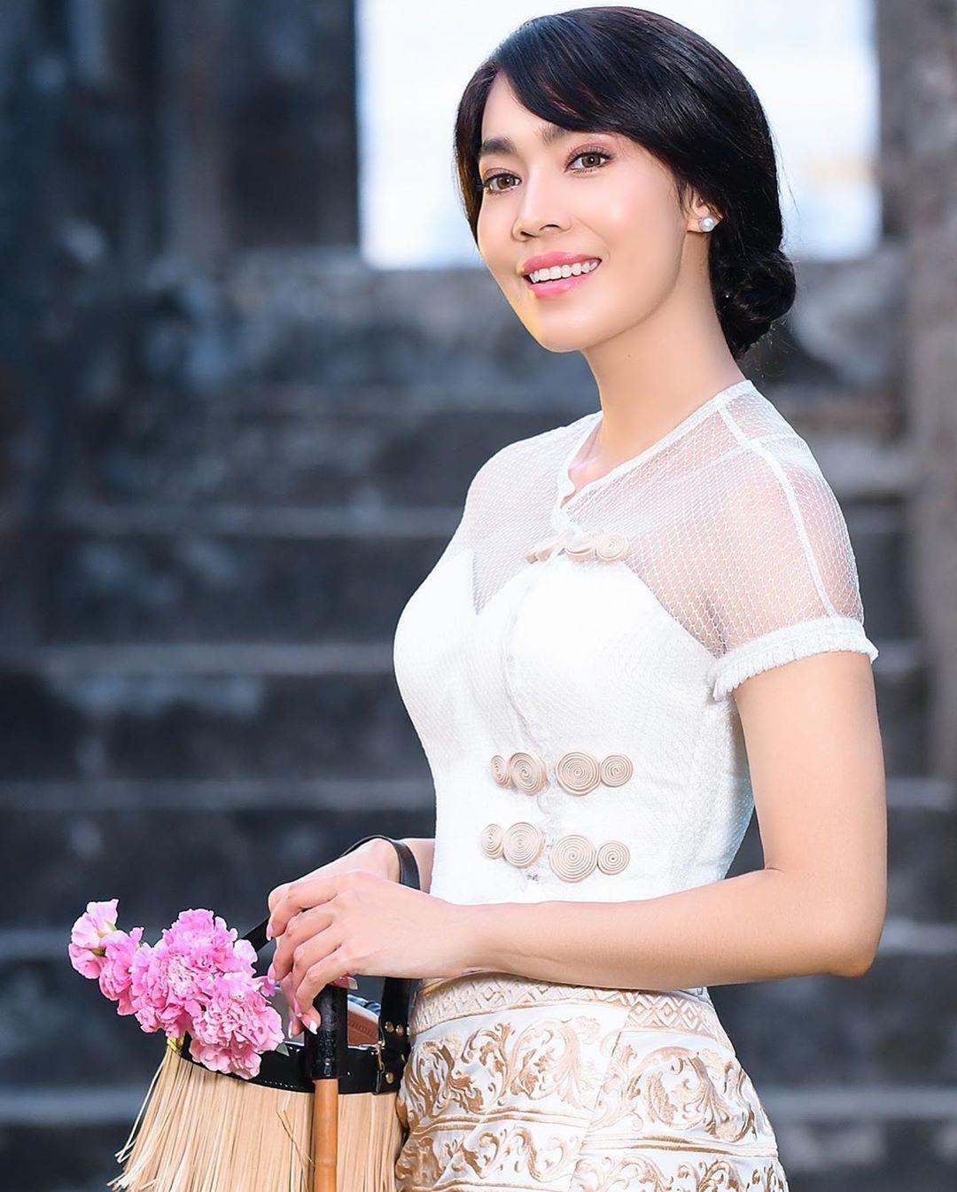 Myanmar Wedding Hairstyle