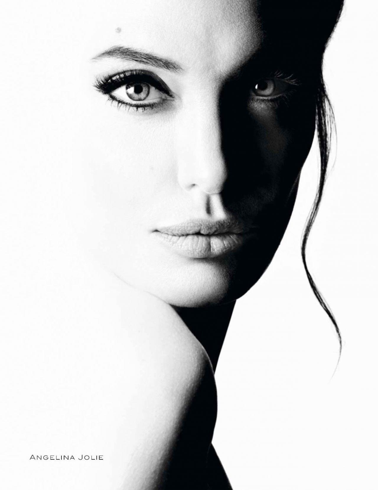Anastasia Zadorozhnaya broke up with her producer 08/31/2009