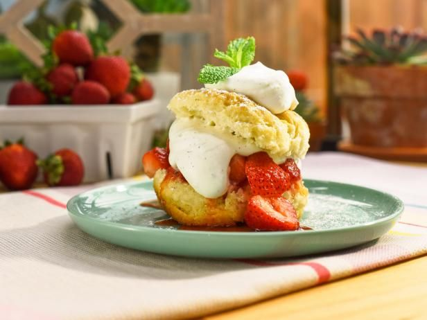 Fresh Vanilla Bean Whipped Cream Recipe Food Network Recipes Recipes With Whipping Cream Strawberry Sauce