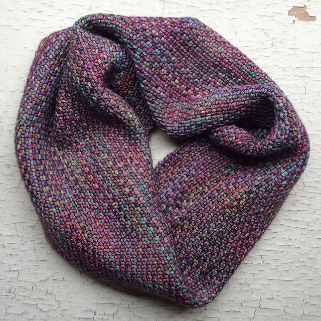 Free knitting pattern for Chickadee Cowl | vickie | Pinterest