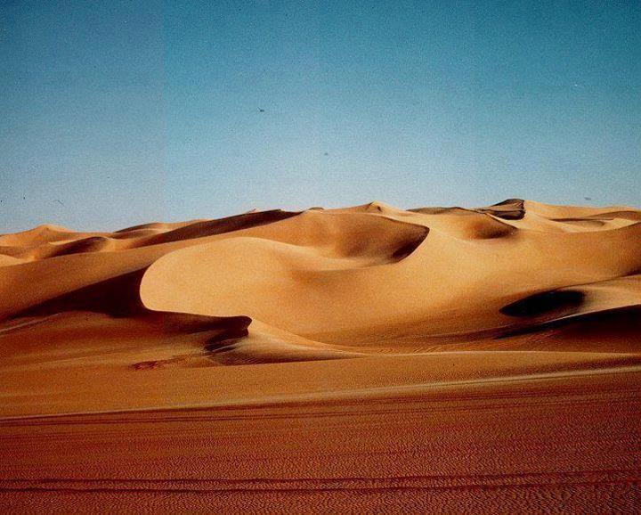 When You Say Sahara Desert You Re Actually Saying Desert Desert The Name Sahara Comes From Arabic And It Deserts Of The World Sahara Desert Hot Desert