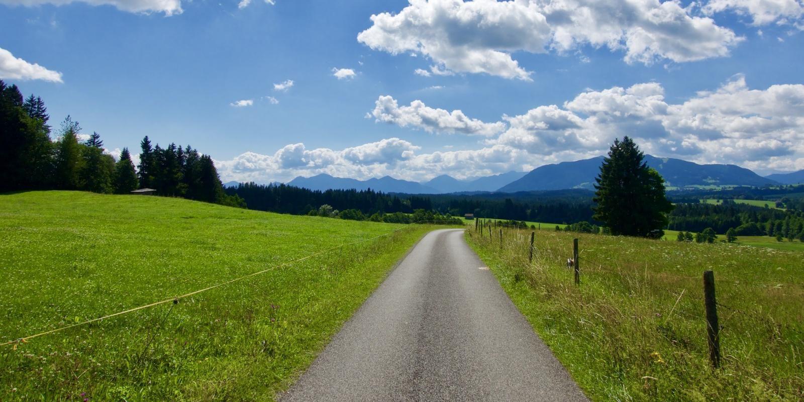 Beim Wandern Kraft Schopfen Der Der Ammergauer Meditationsweg Aufundab Eu Meditation Ammergauer Alpen Natur Erleben