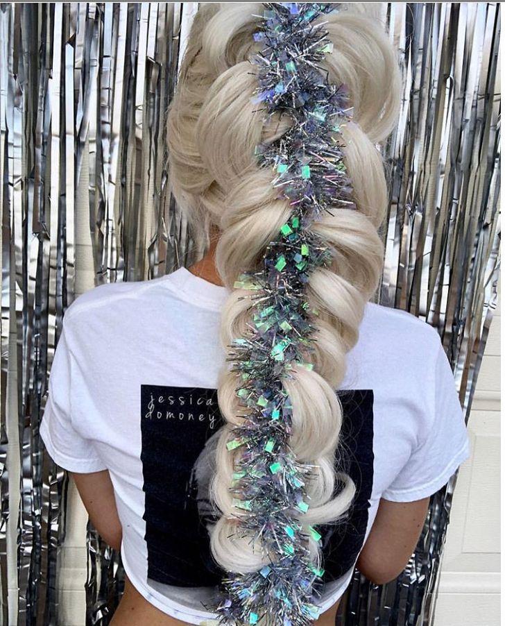 60 wunderschöne lose geflochtene Frisuren für langes Haar, die Sie einzigartig machen - #loosebraids aschweiße geflochtene Frisur mit Lagen, niedrigen Pferdeschwanzhaaren ... - #einzigartig #frisuren #geflochtene #langes #loosebraids #machen #wunderschone - #new #loosebraids