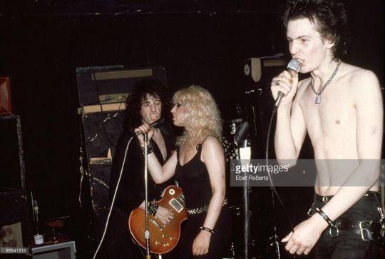 September 7th, 1978: With Mick Jones at Max's Kansas City, New York Photo: Ebet Roberts