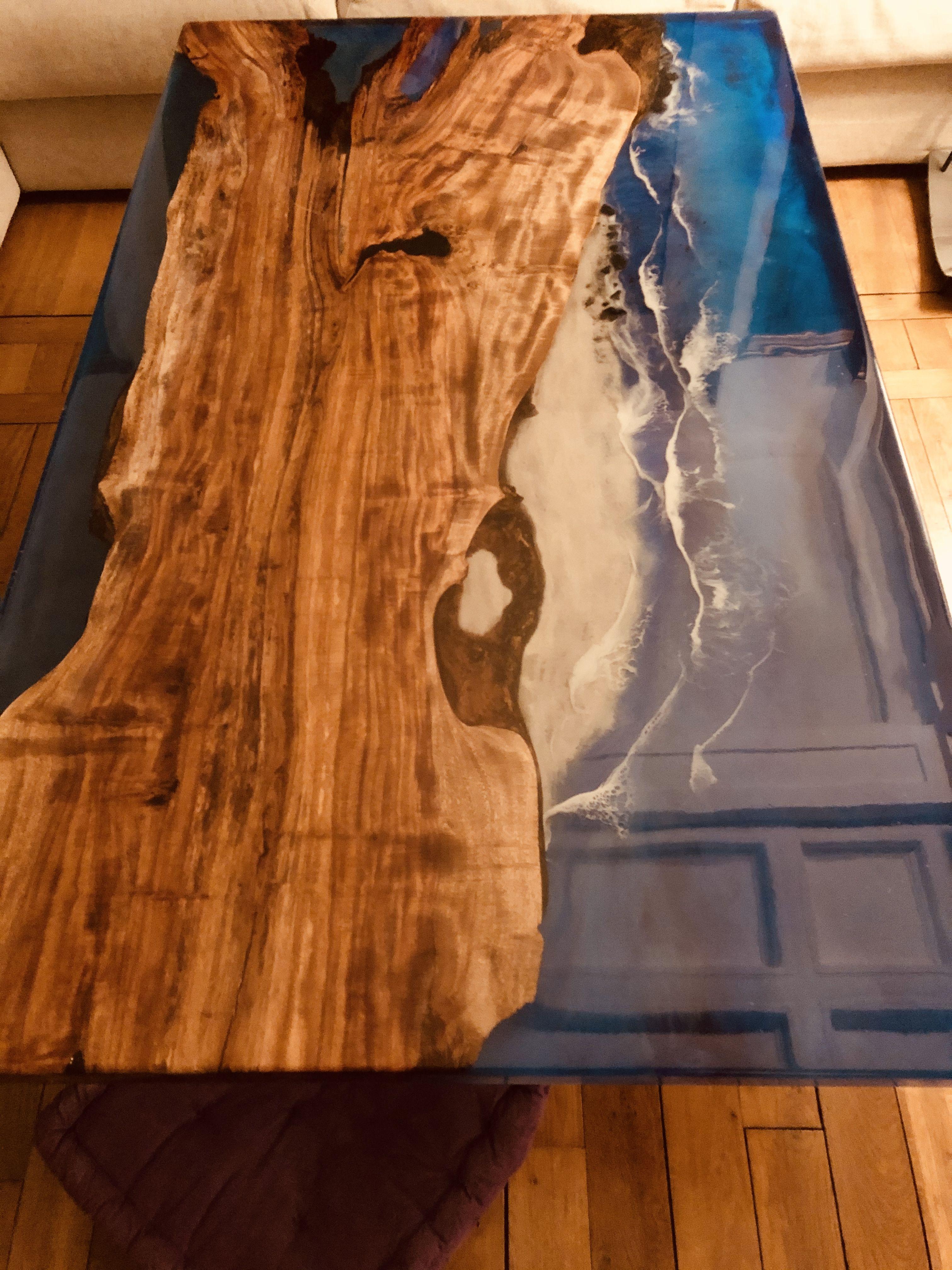 Une Table Basse Inspiree De La Nature En Voie De Realisation Le Plateau Sur Mesure Attend Son Cadre En Metal Couleur Laito En 2020 Table Basse Table Basse Bois Table