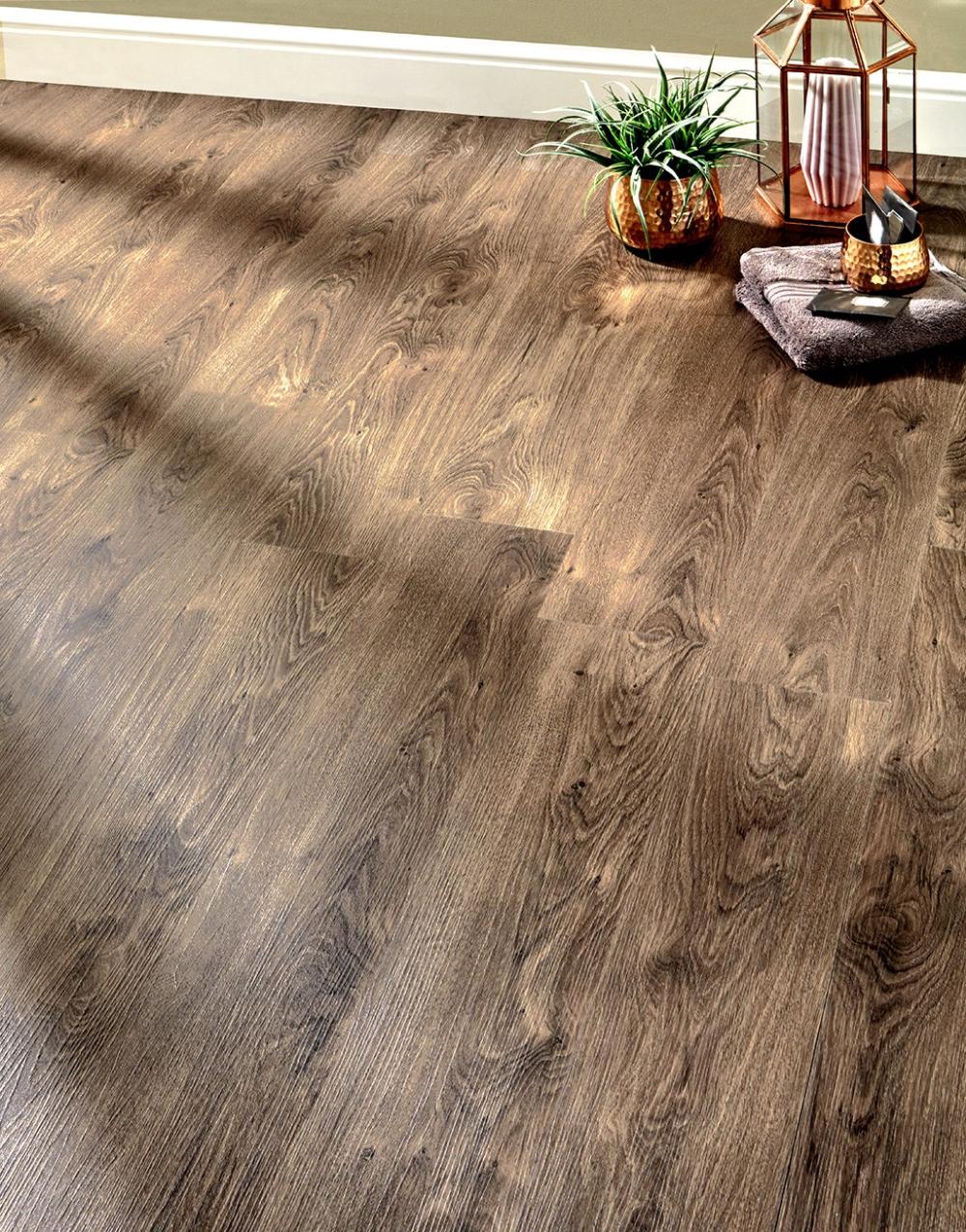 Milano Click Aged Oak LVT Flooring in 2020 Wood floor