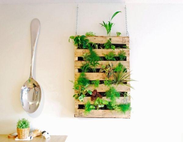 Blumenpflanzer Selbermachen Vertikaler Garten Holzpalette Wand ... Diy Ideen Garten Vertikaler Blumentopf