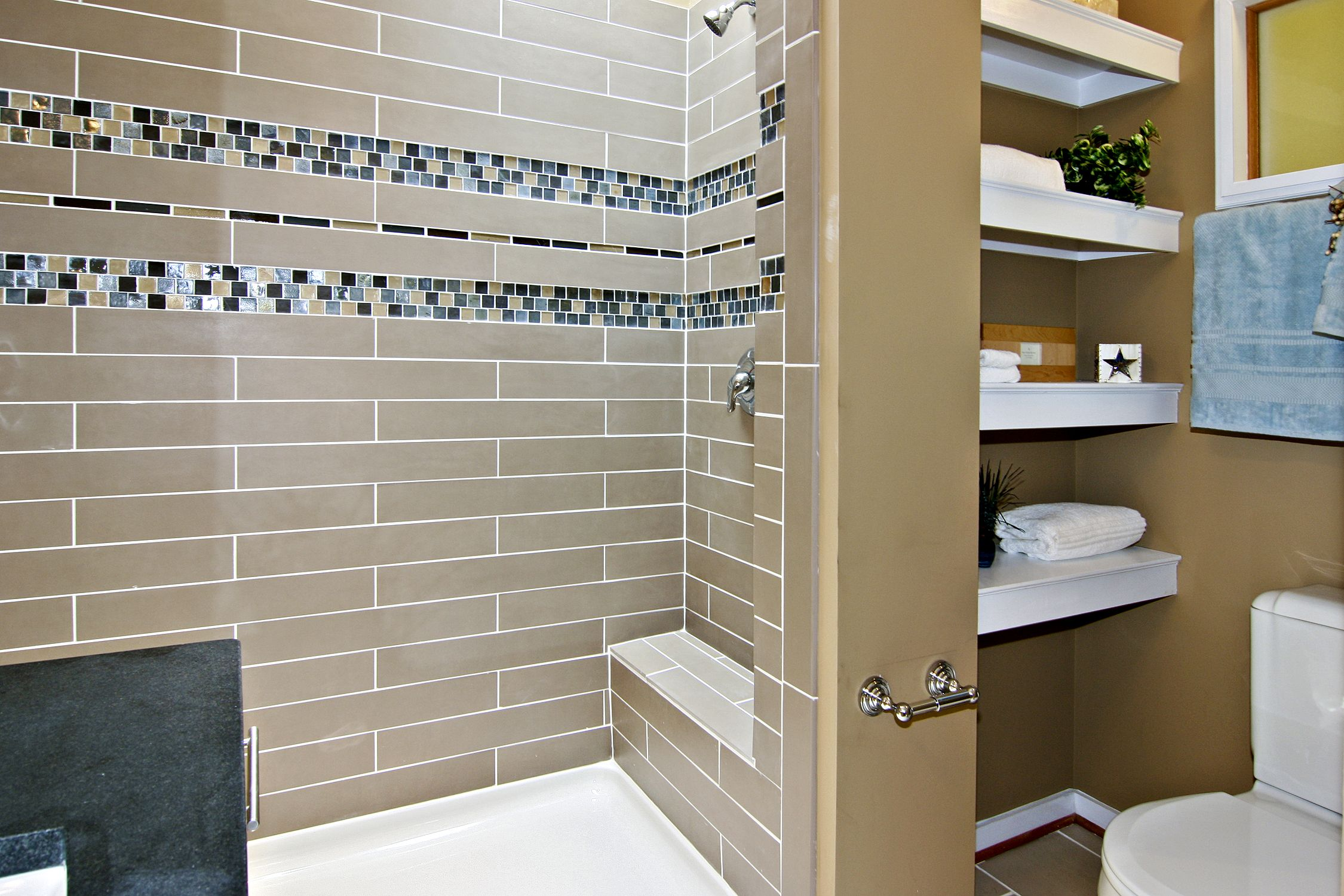 Ordinary Bathroom Ideas With Mosaic Tiles Part - 3: 1 MLN Bathroom Tile Ideas Varying Thickness Of Accent Tile