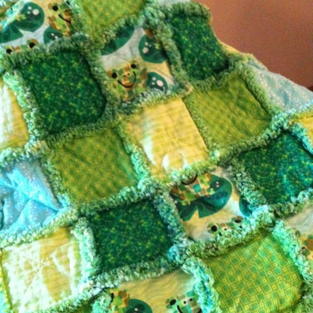 Ribbity Raggedy Frog Quilt for Baby