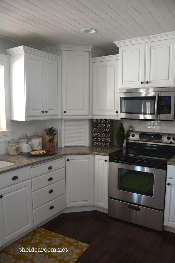 weiße Küche praktisch platzsparend gestalten hellblau weiß - alno küchen kiel