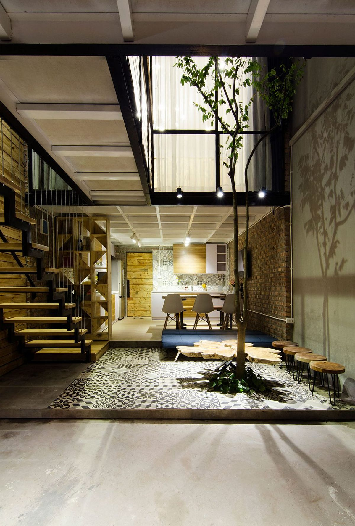 Small Home Maximizes Space And Ventilation Using A Cool