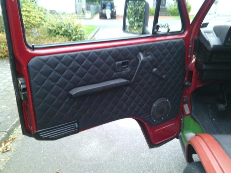 Quilted Leather Door Panels In 2020 Custom Car Interior Quilted Leather Truck Interior