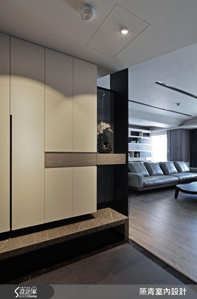 Foyer Cabinet Quest : 北歐風 築青室內裝修有限公司 陳冠文 -設計家 searchome entrance