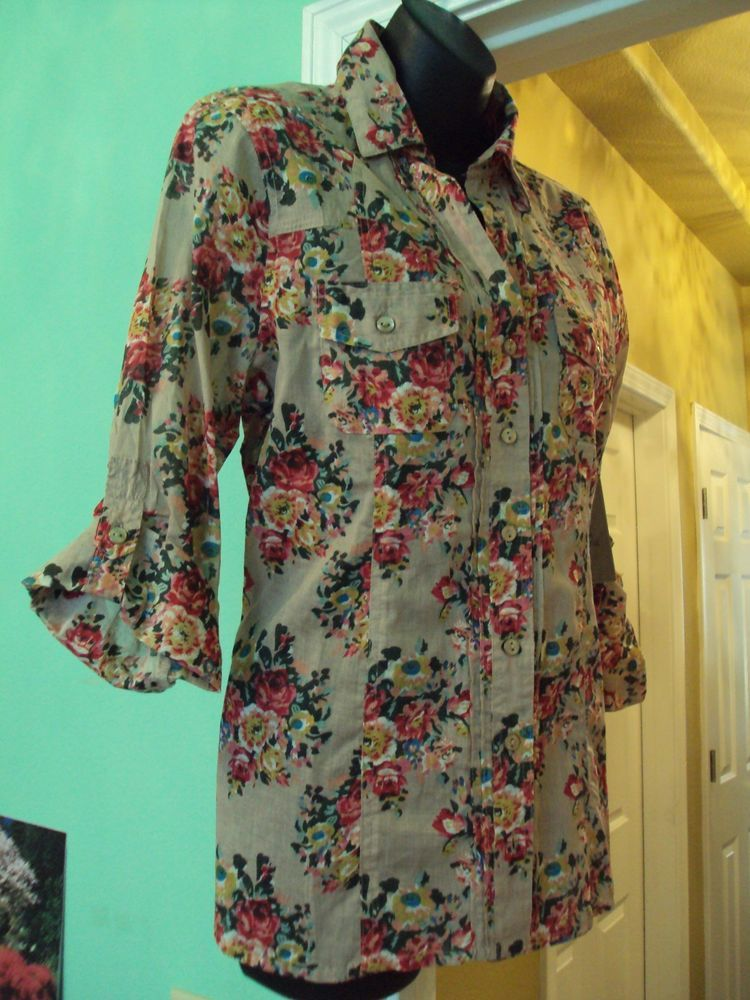 a76169ac60f NEW Anthropologie Eden and Olivia Women s Button Front Shirt Top Blouse sz  M  Anthropologie  ButtonDownShirt  Career