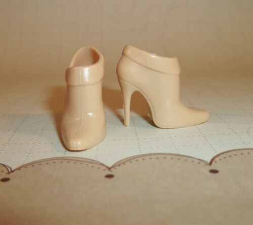 Barbie Fan Club BFC Model Muse Boots Butter Cream High Heel shoes Silkstone