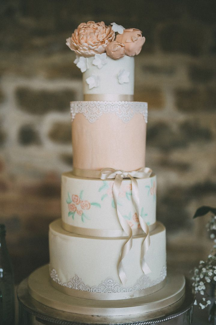 Four tier wedding cake in shades of peach | fabmood.com #weddingcake #peachweddingcake